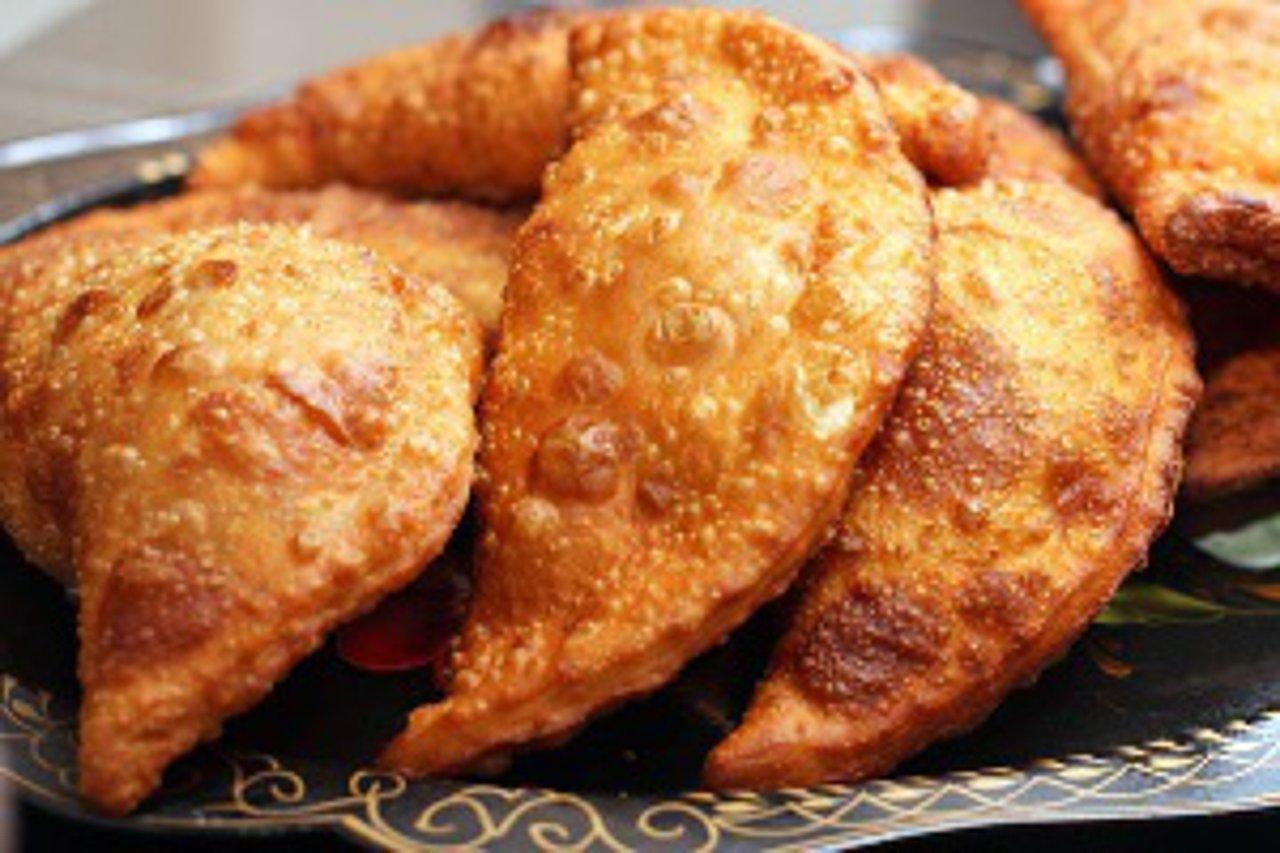 Рецепт чебуреков с мясом и сыром в домашних условиях