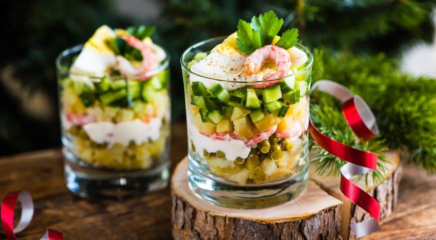 salat-olive-recept-klassicheskij-s-kolbasoj-i-solenymi-ogurcami