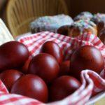 Как красить яйца на пасху в луковой шелухе, в натуральных красителях. Мраморные яйца на Пасху