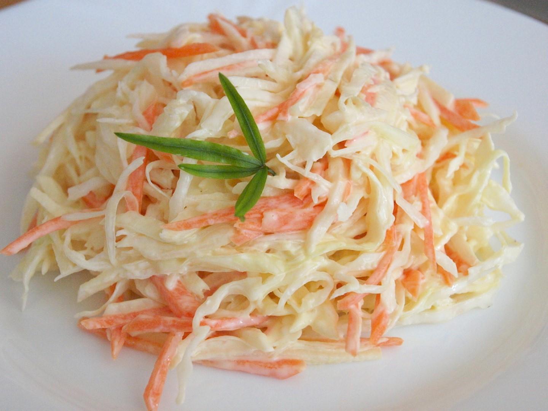 как приготовить салат из одной капусты