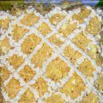 Салат с курицей сыром и ананасом